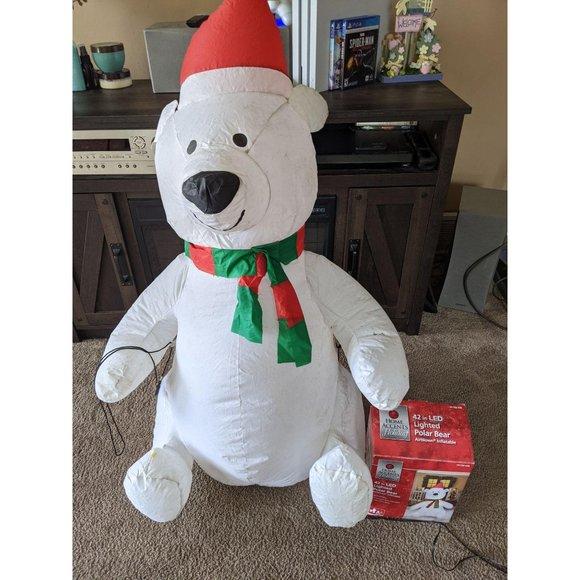 Home accents polar bear inflatable Xmas lawn decor